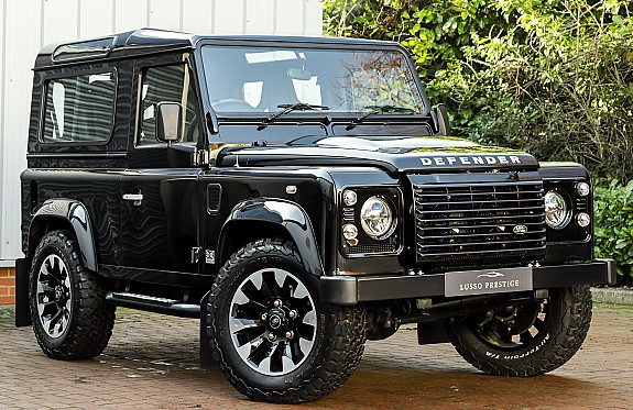 Defender V8 7 Main Large