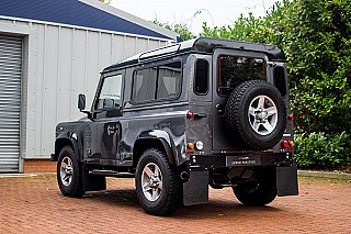 land-rover-defender-2