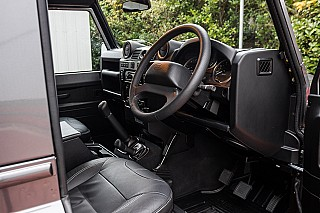 land-rover-defender-24