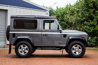 land-rover-defender-5