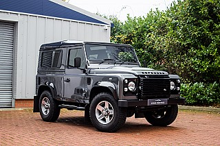land-rover-defender-7