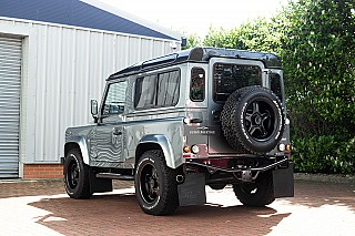 land-rover-defender-twisted-2