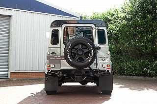 land-rover-defender-twisted-3