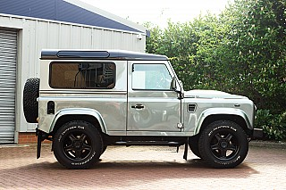 land-rover-defender-twisted-5