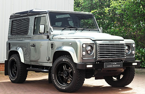Land Rover Defender Twisted 7 Main Large