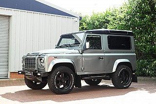 land-rover-defender-twisted-9